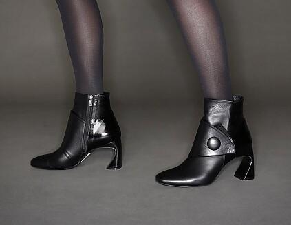 Bottes à talons sculptés Ligia Noir