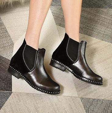Black Plain Chelsea Boots
