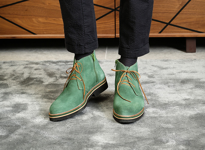 Lightweight men's ankle boots