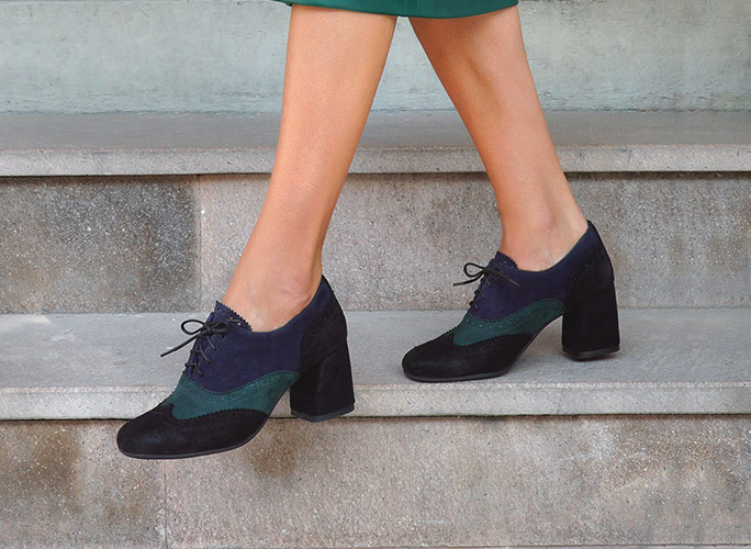 Women`s square heeled shoes